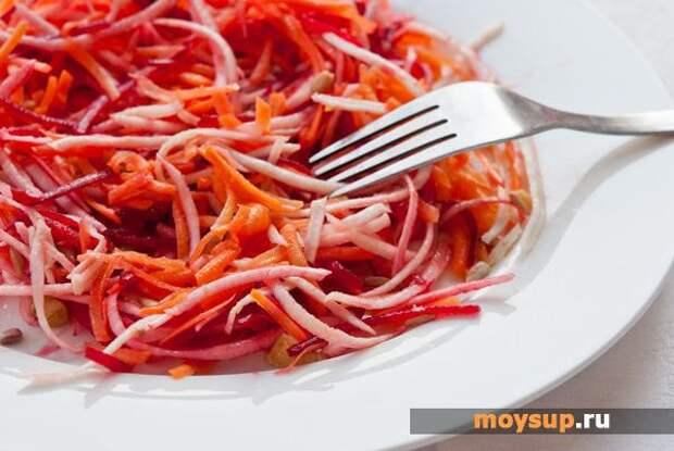 Салаты со свежей свеклой, морковью и яблоком на каждый день