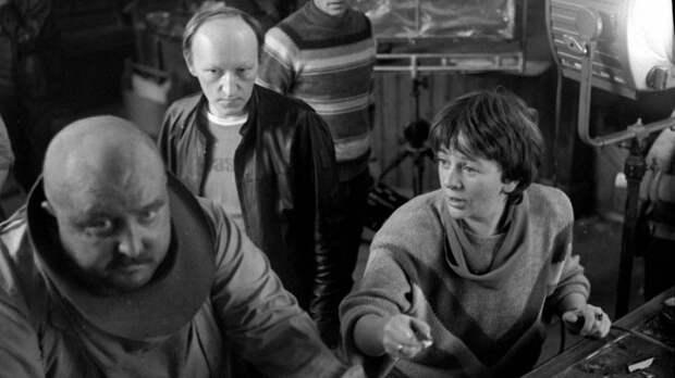 Алла Сурикова на съемках фильма «Человек с бульвара Капуцинов» (1987).jpg