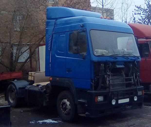 Мужик купил старый ржавый грузовик МАЗ и восстановил его для себя, получилась неплохая рабочая лошадка