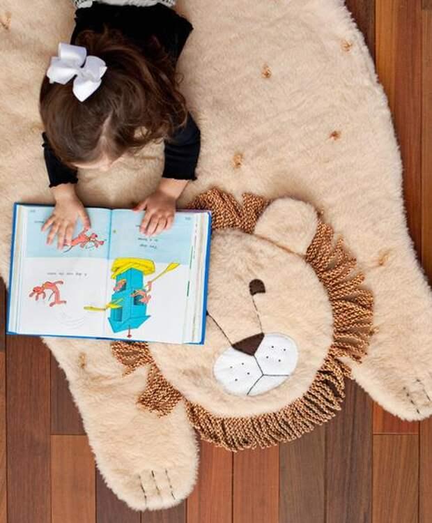 Красивый коврик в детскую