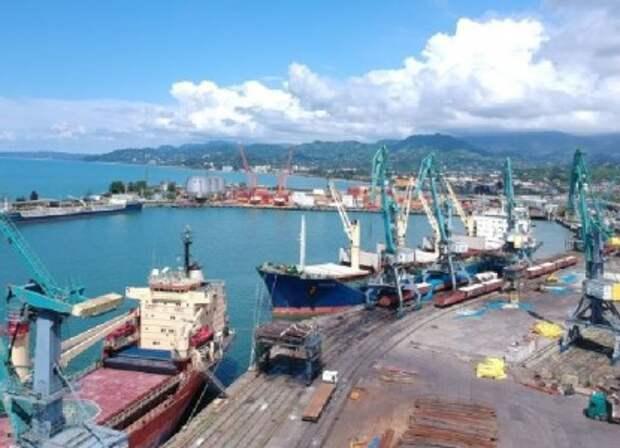 Китай хитростью и захватывает ключевые порты мира