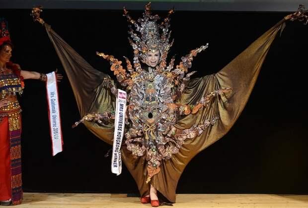 Участница из Гонкогна У Чжисинь.