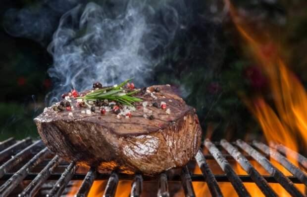 10 популярных мифов о мясе, приготовленном на костре