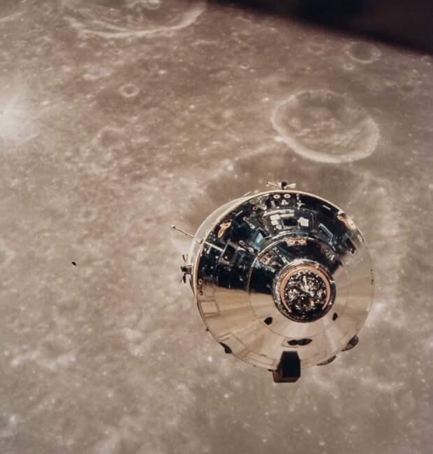 1969. май. КМ «Чарли Браун», первый пилотируемый космический аппарат сфотографированный над другим миром
