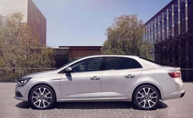 Седан Renault Megane раздувается от собственной значимости
