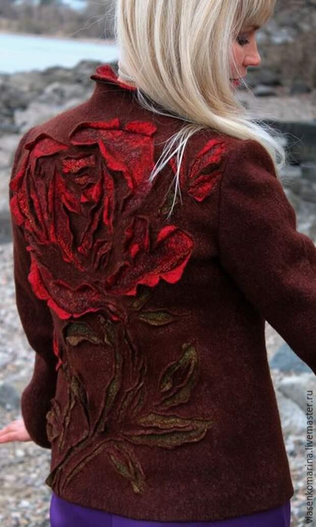 Валяный жакет с розой спереди и сзади