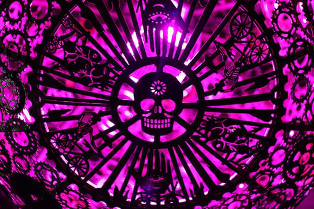 Ballroom Luminoso: люстра из велосипеда