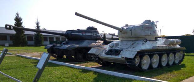 У танков похожие силуэты на удалении. |Фото: tankmuseum.ru.