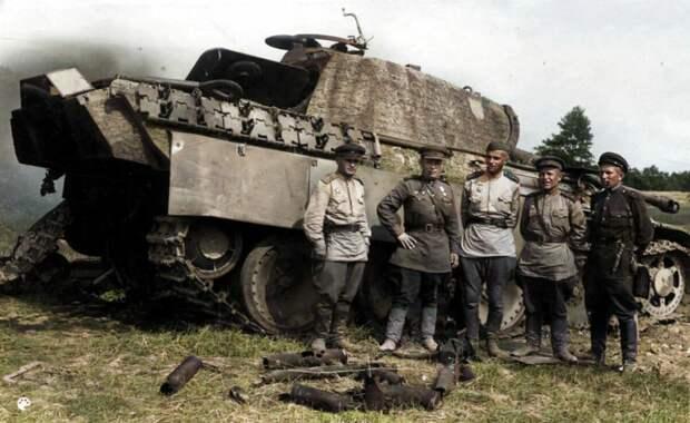Как советские солдаты остановили мощнейшую атаку немецких «Тигров» в 1945 году