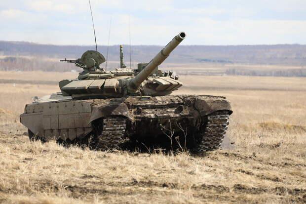 Балтийский флот получил 30 улучшенных танков Т-72Б3М