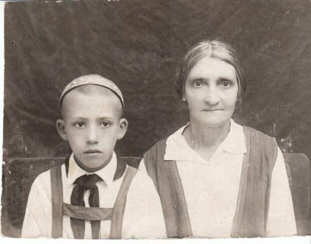 с тетей, 11 лет Редкие фото Юрия Никулина, история, фото