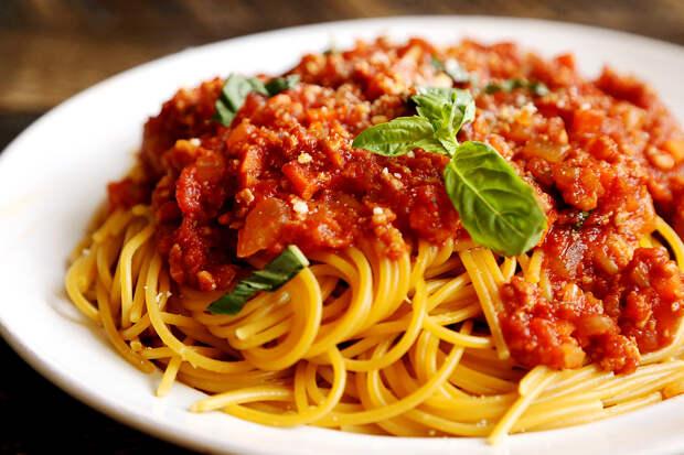 Паста с соусом болоньезе: вегетарианский рецепт