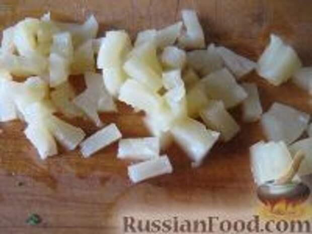 Фото приготовления рецепта: Капустный салат с чесноком - шаг №5
