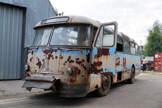 В завершение — пара видов автобуса снаружи ЛАЗ, ЛАЗ-695Е, авто, автобус, олдтаймер, реставрация, ретро авто, ретро техника