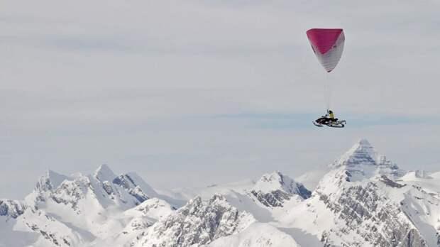 Снегоход на парашюте