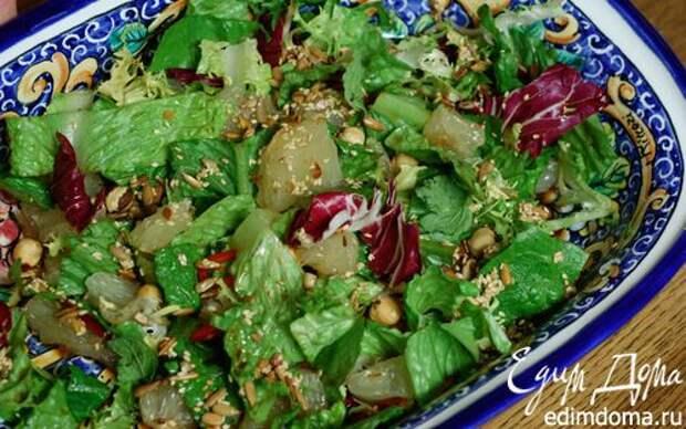 Рецепт – Салат с помело, орехами и перцем чили