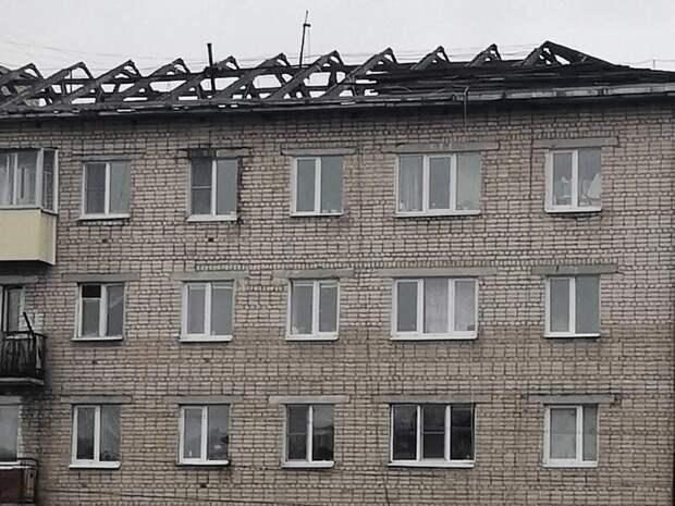 Ремонт аварийной крыши дома начали в Могоче