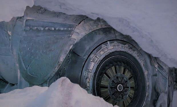 Путешественник-одиночка нашел город под Антарктидой и пропал