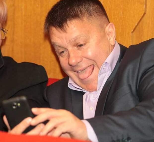 Пусть подумает о своём поведении? Крымский депутат останется за решёткой до 9 августа (видео)
