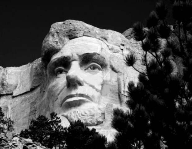 Что было найдено у Авраама Линкольна в карманах сразу после его убийства