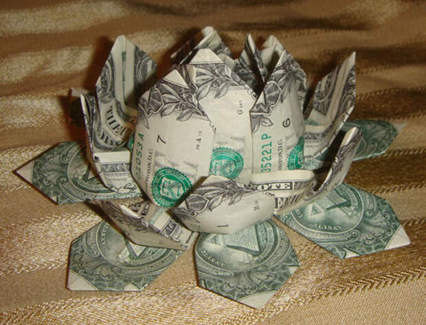 Оригами из денег - цветочек