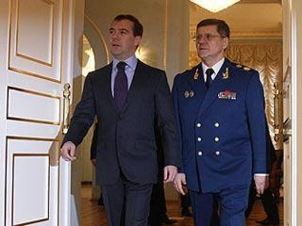 Новости NEWSru.com :: Медведев: Генпрокуратура выявила коррупционные риски почти в 10 тысячах документов