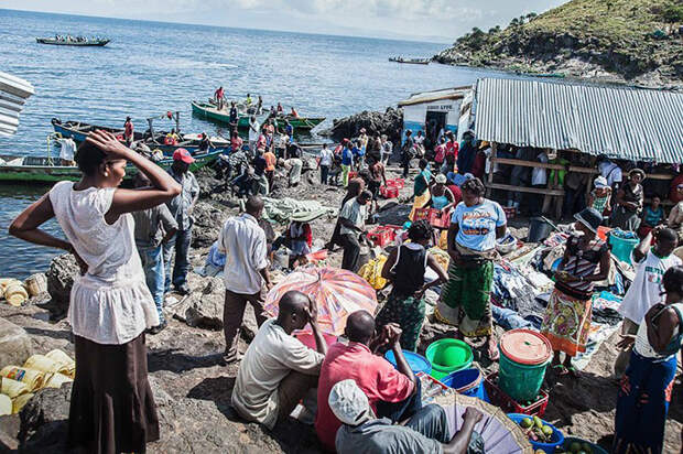 Как живётся людям на самом густонаселённом острове мира