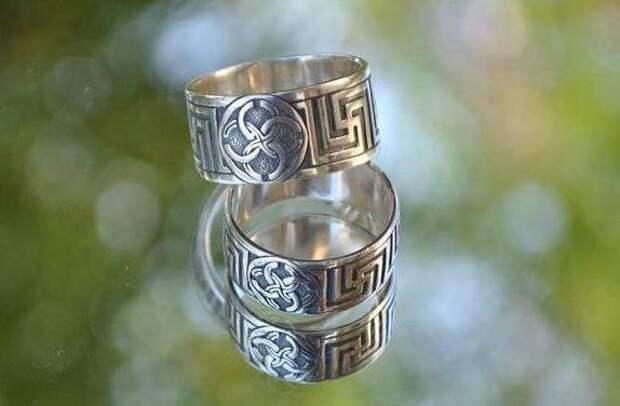 славянские боги и их символы