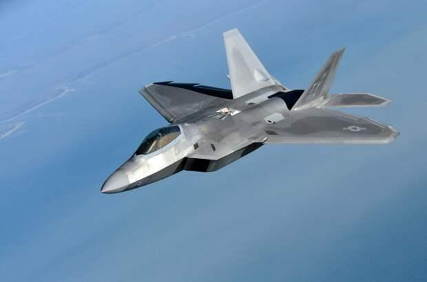 NI перечислил способы обнаружения «невидимок» на примере F-35 и F-22