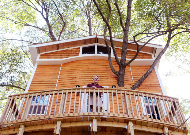 tree-house-three-stories-jay-hewitt-massachusetts-4