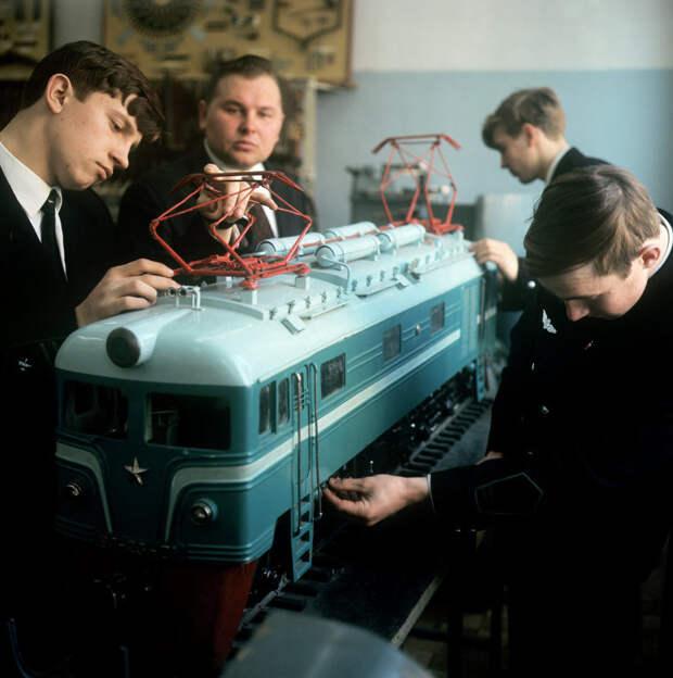 Школьники-моделисты, 1970-е: СССР в фото, подборка