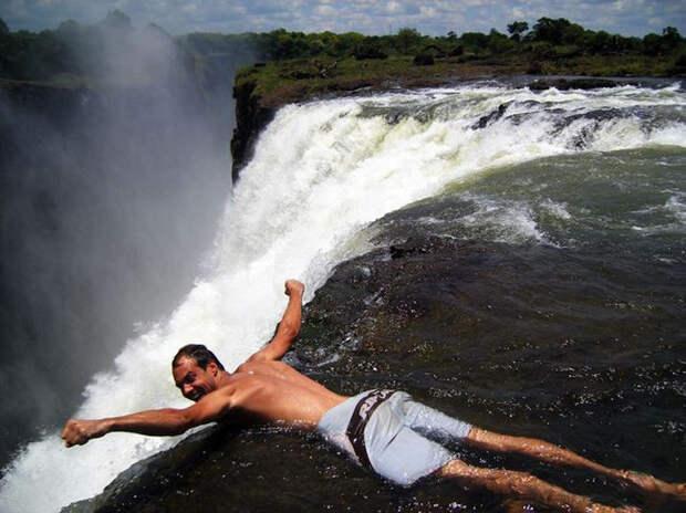 Захватывающий дух природный бассейн — Купель Дьявола!