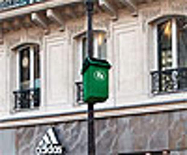 Странная реклама Adidas: мусорные корзины для баскетболистов