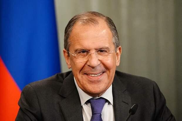 Bild заявил о«немыслимом скандале» вГермании из-заЛаврова