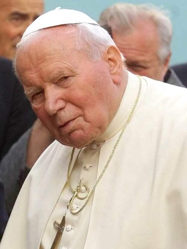 Кароль Вотыйла (Иоанн Павел  II). В Римско-Католической церкви - святой. В истории России - последовательный враг советского народа, православной веры, Российского государства.