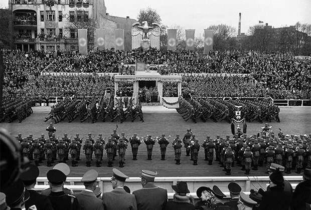 Парад немецких войск в Берлине в 1939 году