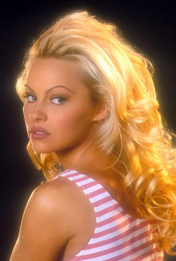 Памела Андерсон (Pamela Anderson) в фотосессии Рона Грепера (Ron Groeper) (1996), фото 4