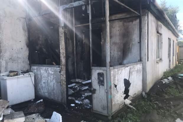 Спасся чудом: охранник едва не сгорел во время дежурства в Уссурийске