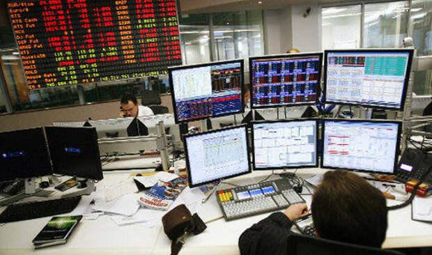 Российский рынок акций упал вслед за нефтью