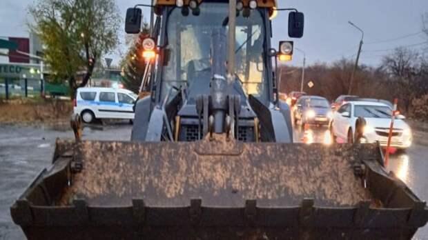 Не заметил: в Омске водитель трактора насмерть задавил пенсионерку