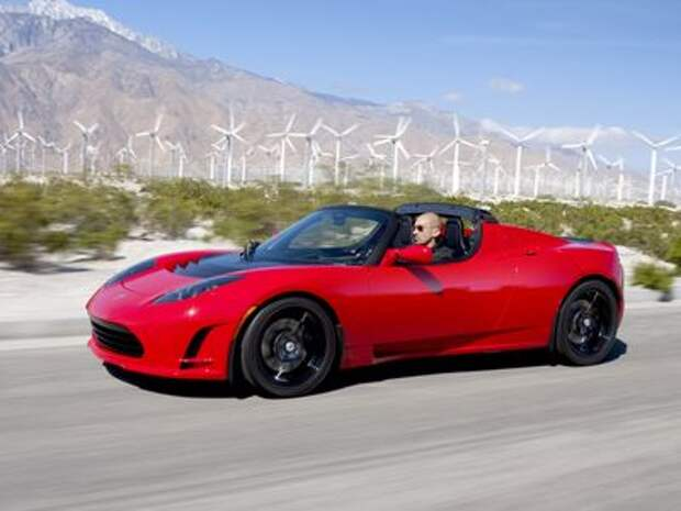 Делу время, родстеру час: в Tesla проговорились о новинке