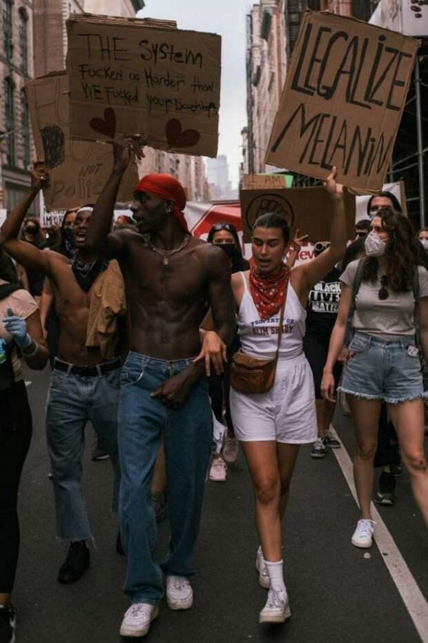 Эрика Куталиа со своим Мусой приняла участие в акциях протеста в Нью-Йорке, молодые люди несли лозунги против расизма. Фото: Личная страничка героя публикации в соцсети