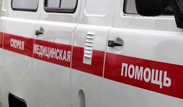 ВВолгограде напарковке торгового центра сбили 15-летнего подростка