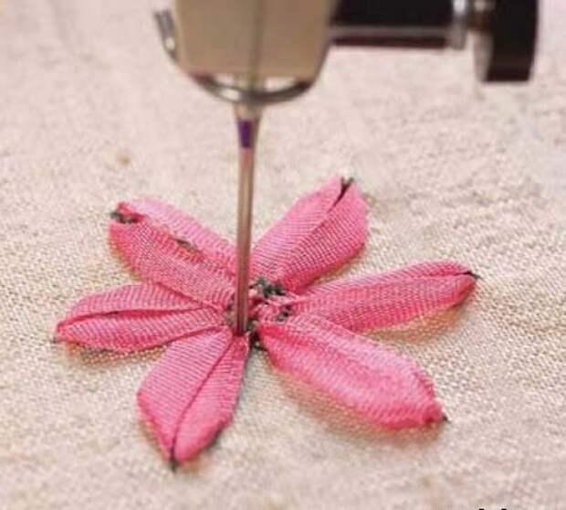 Вышивка лентами с помощью швейной машины