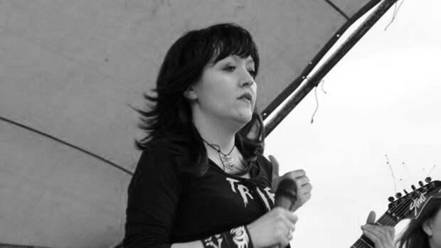 Тела солистки группы «Манёвры» и ее мамы нашли спустя месяц после смерти
