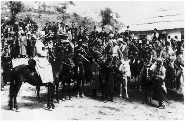 Фото: российский император Александр II и делегаты черкесского Меджлиса Кубзеш Меретуков, Тугуз Хакуринов, Бух Читао, Ильяс Куашев, 1861