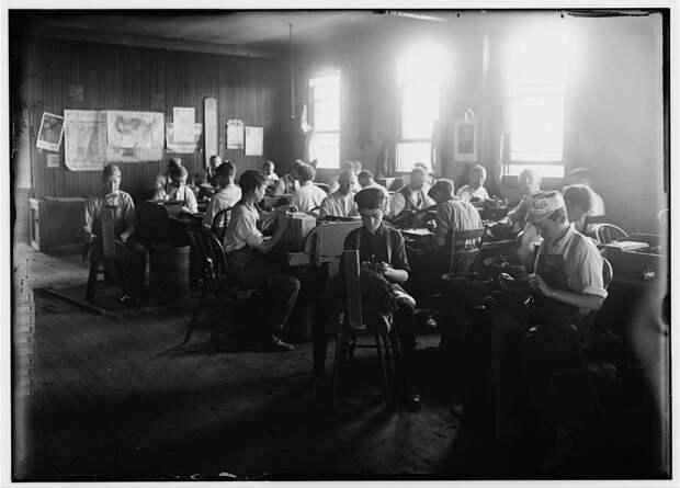 2. Фабрика сигар. Индианаполис, США. 1908 год. америка, дети, детский труд, история
