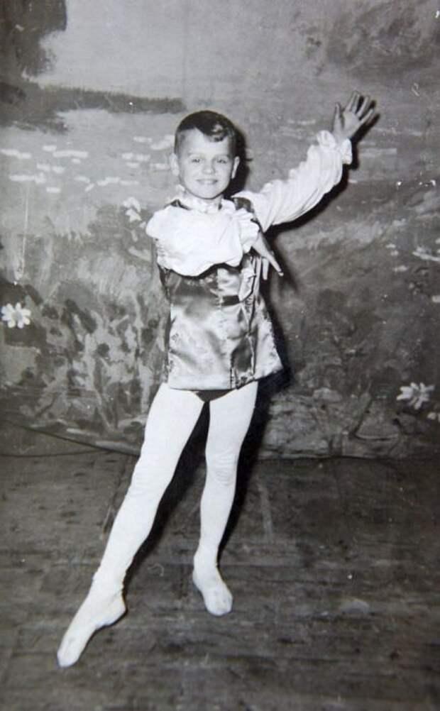 Михаил Барышников в детстве. / Фото: www.kstovo.ru