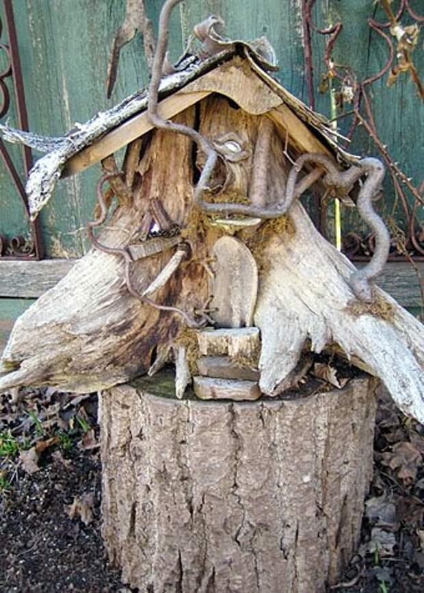 сказачный домик из коряги