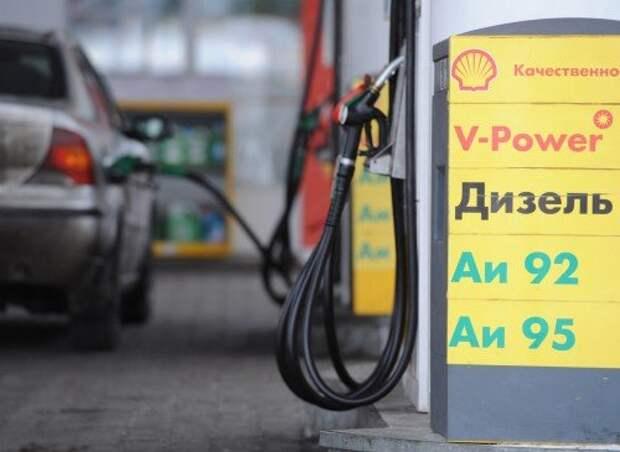 Цены производителей на бензин в июне выросли сразу на 10%